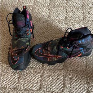 Nike Lebron 13's Size 12